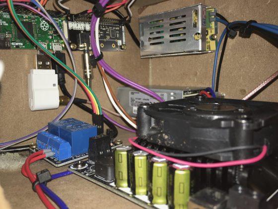 Einbau der Komponenten im WLAN-Lautsprecher (3/6)